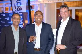 Kresh Goomany, Chief Operating Officer, Vimal Naikeny, Chief Innovation & Information Office, et Neil Gooding, Chief Financial Office, tous d'Emtel.