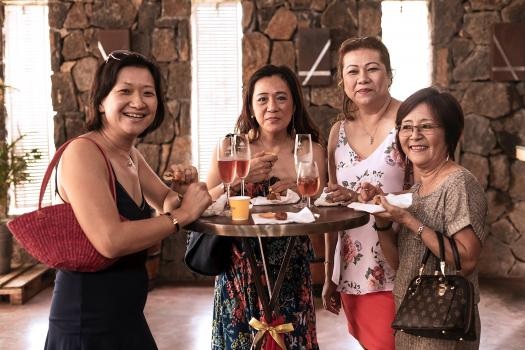 Christina Chia Yin Cheong, entrepreneure, Nadynn Wong Chap Lan, directrice de Wong Chap Lan & Co. Ltd, Dorine Lam Yan Un, directrice de Chantier & Quincaillerie Amicale, et Jacqueline Chan Man Shing, directrice de Pluie D'Or Co. Ltd.