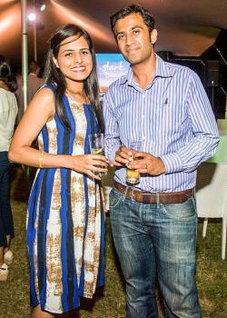 Kaviraj Ramdewar, land surveyor, et Lakshana Ramdewar, comptable chez Abax.