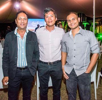 Anand Hurree, responsable de la maintenance chez Trimetys Group, Tony Lee Luen, senior partner d'Ecosis Ltd, et Vikish (Viks) Dabeedyal, designer chez Trimetys Group.