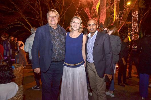 Sven Versteegh, directeur général de Casela Nature Parks, avec Lucinda Robert-Holmes, Head of Education, et Dhiren Ponnusamy, Chief Operating Officer du Groupe Medine.