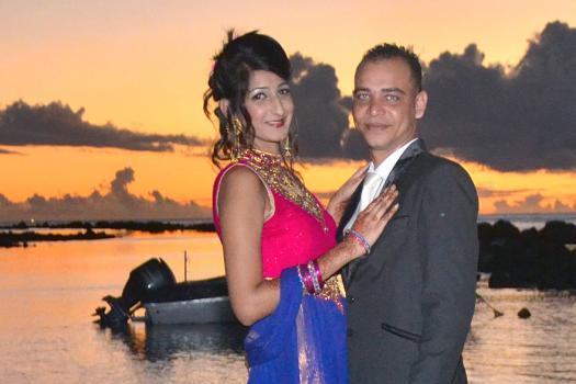 Neha, ici avec son mari Yousouf qu'elle a épousé religieusement en mai.
