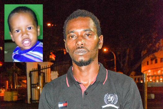 «J'ai fait de mon mieux pour sauver mon fils», soutient le jeune homme.