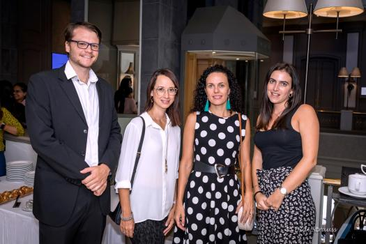 Amaury Pitot, Strategic Relations Manager, et Anne-Gaelle Charlette, Senior Wealth Adviser, tous deux de Sanlam Private Wealth, Elizabeth Keeve, Managing Partner and Cofounder de Bolt Talent Solutions, et Francesca Merlo, Operations chez Sanlam Private Wealth Mauritius.