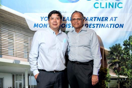 Clive Chung, COO à la Clinique Darné, et le Dr Aniff Yearoo, consultant en cardiologie interventionnelle à la Clinique Darné.
