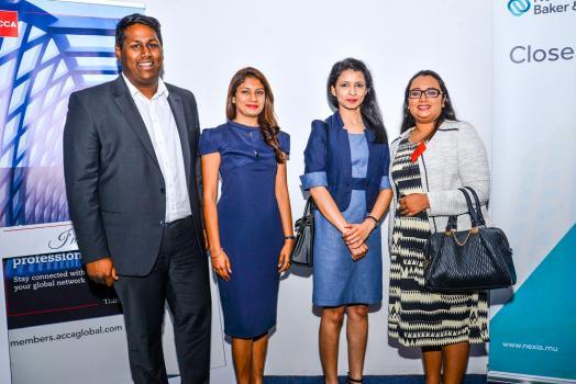 Damordaren Veerasamy, Manisha Devi Heeramun et Dooshala Ramjutun-Ramlaul, tous les trois membres de l'ACCA, et Neeta Subnauth, une invitée.