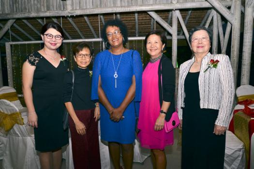 Françoise Li Wan Po, Marie-Noelle Elissac-Foy, directrice de The Talent Factory Ltd, Doreen Wong Ten Yuen et Jeannette Li Wan Po.